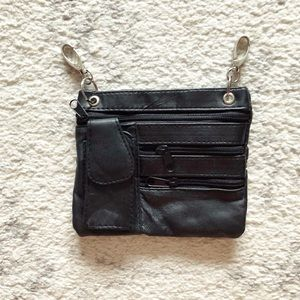 Handbags - Chic black leather traveling fanny pack / purse